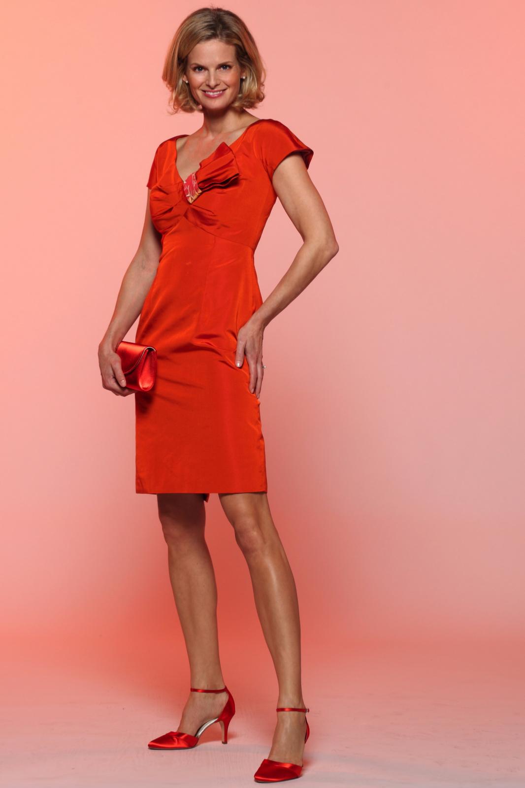 robe cocktail en soie orange. Black Bedroom Furniture Sets. Home Design Ideas