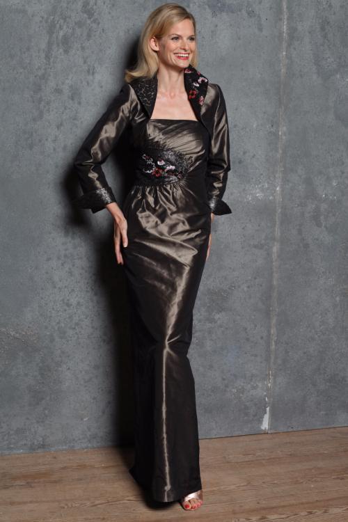 Paule Vasseur Creation D Un Modele De Robe Longue Couture