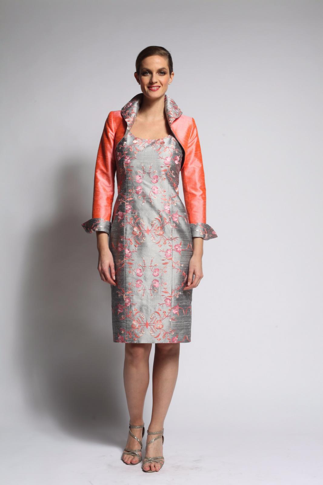 Robe En Soie Brodee Et Bolero Assorti Style Jackie Kennedy