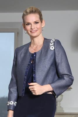 Veste courte en lainage avec broderies Couture THERESE